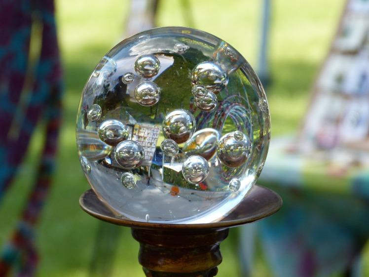 glass-2439542_1920.jpg