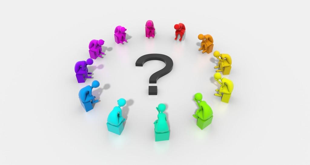人際間的交流是主要決策的時機。會議當然是做決定的合理場所,但會議外的溝通,如在茶水間、電梯大堂、交通工具這些非正式場合,偶然談及公事,可能會產生一些新的想法與做法。有時在正式會議前跟相關人士溝通(游說),也會令會議時作決定容易得多。若不能把握這些時機,每次都要等特定的會議周期,又要等主席/負責人認可才能放進討論議程,有關議程可能已變得不再重要。